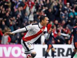 Raúl de Tomás has been an integral part of Rayo's fight for survival this season. EFE.