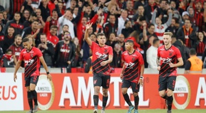 Bruno Guimaraes has already said goodbye to Athletico Paranaense. EFE