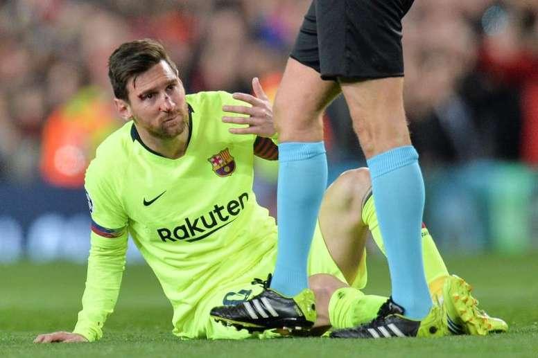 Medics confirm no broken nose for Lionel Messi. EFE