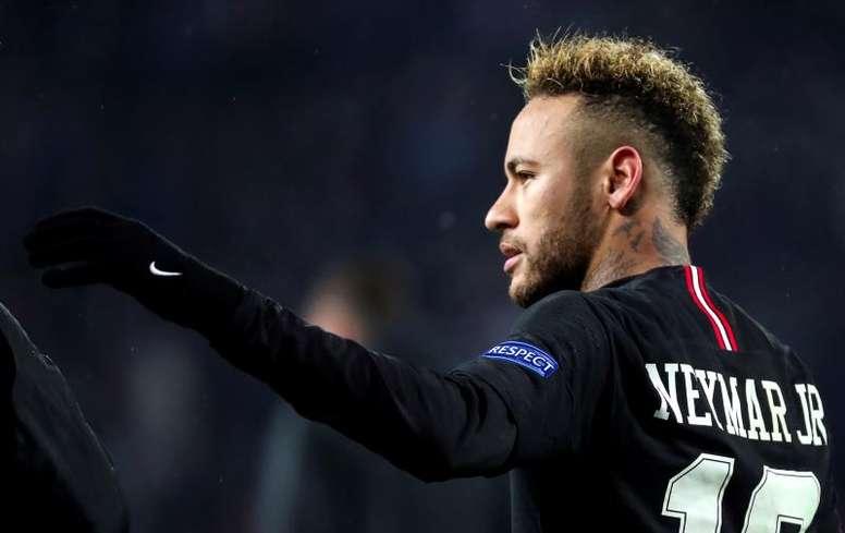 Neymar pode estar de regresso no dia em que o PSG pode tornar-se campeão. EFE