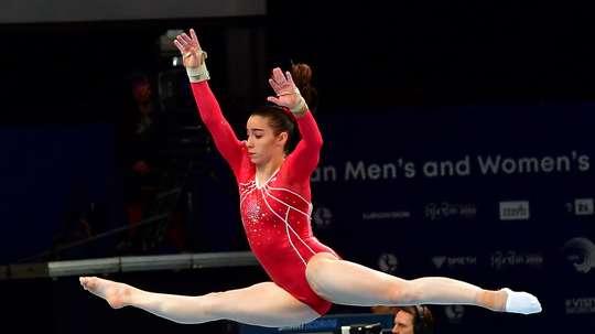 La gimnasta española Laura Bechdeju durante el Campeonato Europeo de Gimnasia Artística 2019 en Szczecin, Polonia. EFE