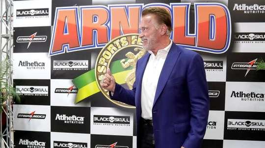 El actor austro-estadounidense Arnold Schwarzenegger (c) visita este viernes la feria Arnold Sports Festival South America realizada en Sao Paulo (Brasil). EFE