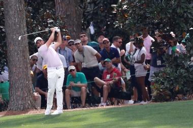 El australiano Jason Day participa en la segunda jornada del Masters de Augusta, el primer major de la temporada, este viernes en el Augusta National Golf Club, de Augusta (EE.UU.). EFE