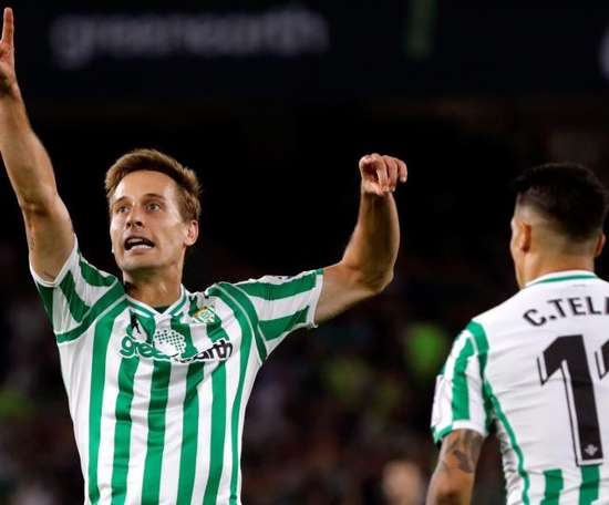 Sergio Canales is wanted by Atletico Madrid. EFE/Archivo