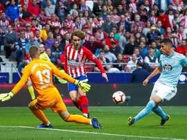 Atlético vence e ainda sonha com a Liga. EFE