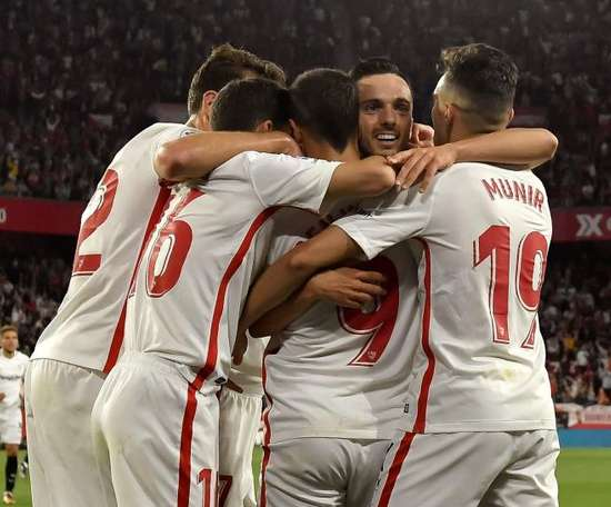 Sevilla leva a melhor sobre o Betis no clássico andaluz. EFE