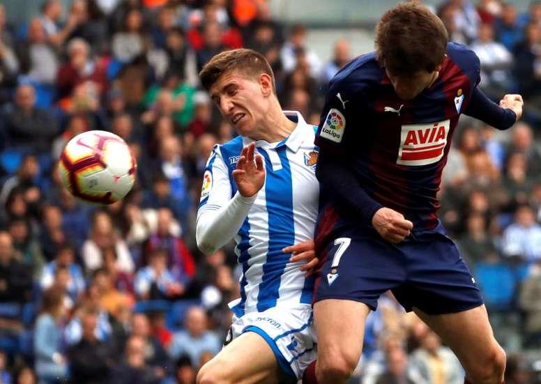 Marc Cardona (d) volverá al Barcelona. EFE