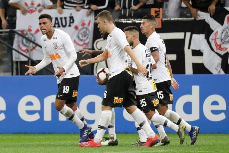Sao Paulo y Corinthians lo dejan todo para la vuelta. EFE