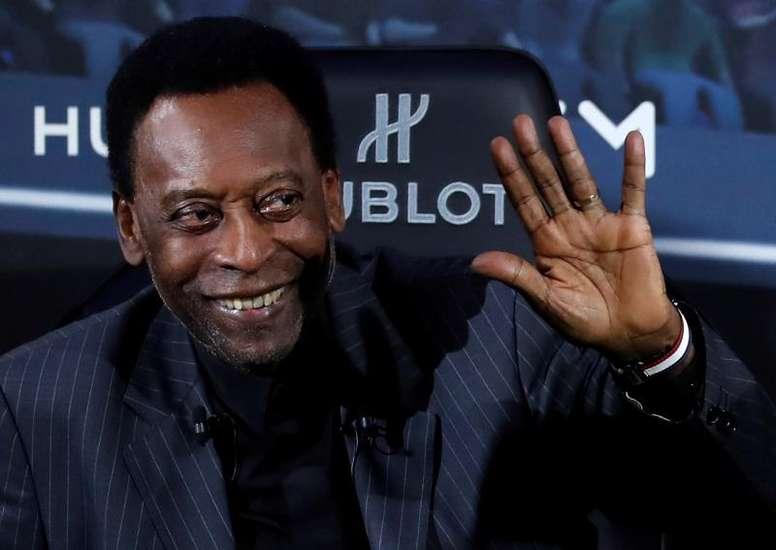 Em casa, Pelé agradece aos fãs. EFE/Archivo