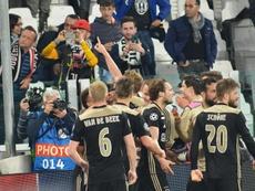 El Ajax va de sorpresa en sorpresa en la Champions League. EFE