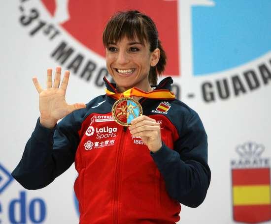 La española Sandra Sánchez tras conseguir la medalla de oro en la categoría de kata individual de los Campeonatos de Europa de kárate el pasado mes de marzo. EFE/Archivo