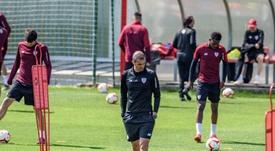 El Athletic se prepara para medirse al Alavés. EFE