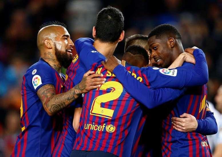 Barcelona quer mais nomes para o ataque. EFE
