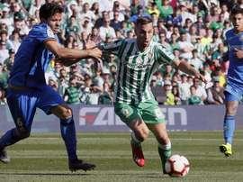 Sergio Canales no llega a tiempo de enfrentarse al Valencia. EFE