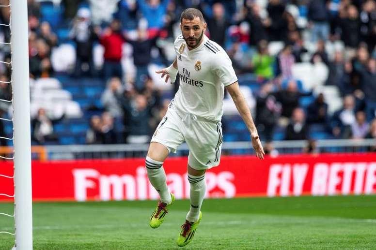 Benzema assinou hat-trick e deu vitória ao Real Madrid. EFE