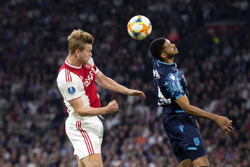 Son avenir, De Ligt n'a pas encore tranché — Ajax