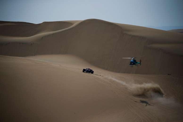 Imagen del rally Dakar 2018, entre Lima y Pisco (Perú). EFE/Archivo