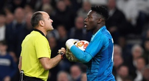 Ajax goalkeeper Andre Onana made some controversial comments. EFE