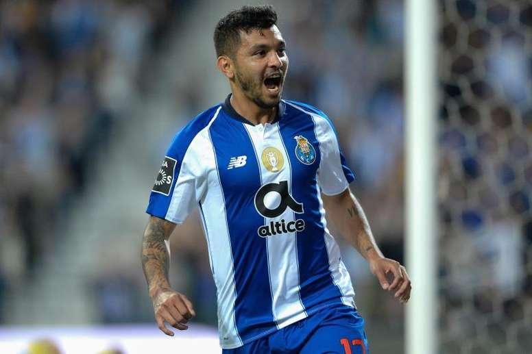 Sevilla want Corona. EFE