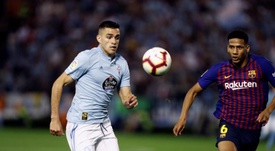 Celta have rejected two bids for Maxi Gomez (l). EFE