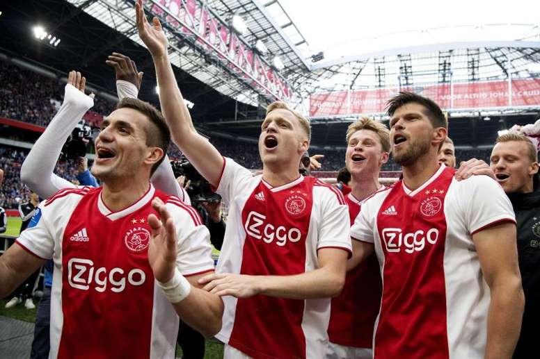 Overmars cree que Van de Beek no se irá al Madrid. EFE