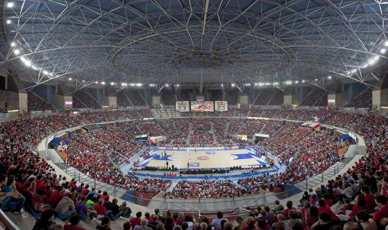 La fase final de la Euroliga que se disputará este fin de semana en Vitoria contará con la presencia de 650 periodistas procedentes de 31 países, que cubrirán los encuentros que disputarán los cuatro finalistas en el pabellón Fernando Buesa Arena. EFE/Archivo