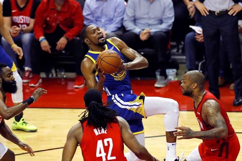 Kevin Durant (c), jugador de los Golden State Warriors. EFE/Archivo