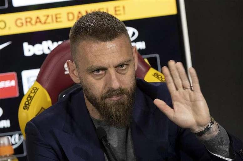 Les Ultras de la Roma protestent pour De Rossi. EFE