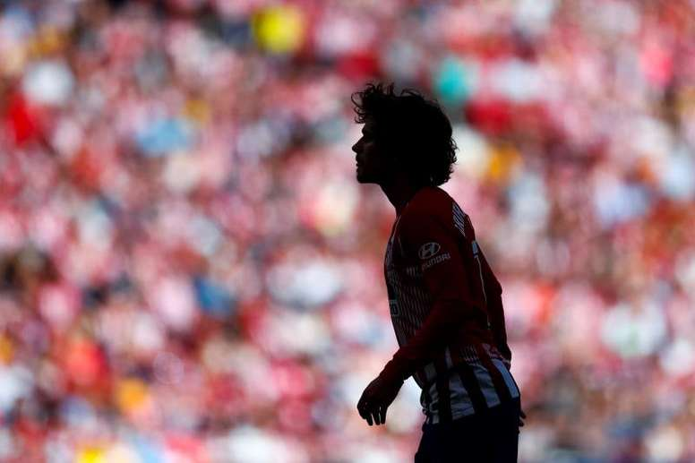 Barcelona will 'protect' Griezmann from the Camp Nou. EFE