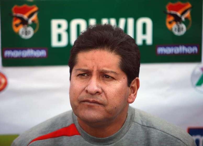 Lampe y Chumacero encabezan los 31 de Bolivia. EFE