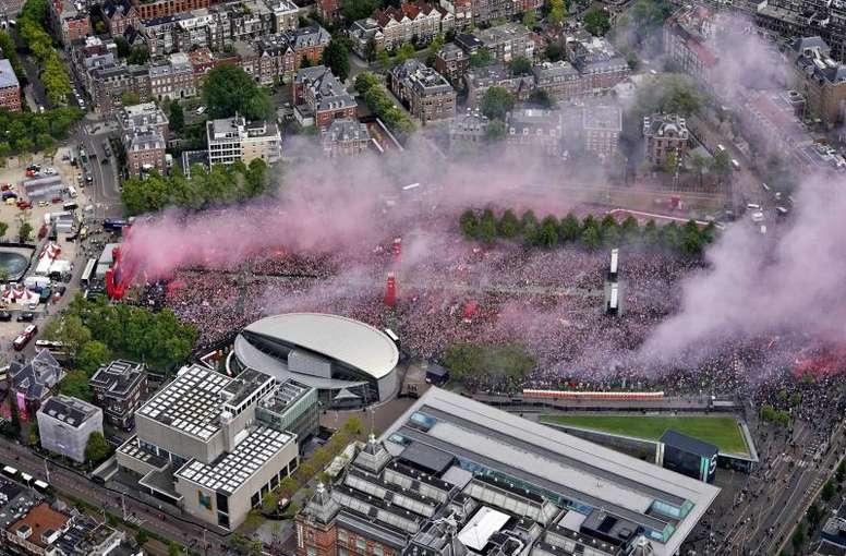 Fiesta por todo lo alto del Ajax. EFE
