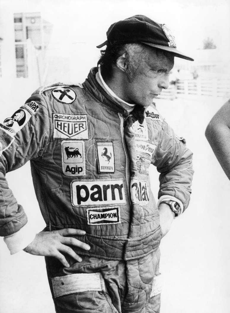 Fotografía de archivo realizada el 26 de abril de 1977 del expiloto Niki Lauda durante un entrenamiento en el circuito del Jarama, en Madrid. El expiloto austríaco Niki Lauda, triple campeón del mundo de Fórmula Uno, ha fallecido, según anunció su familia en un comunicado.EFE
