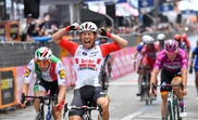 El ciclista australiano Caleb Ewan Lotto Soudal team (c). EFE/Archivo
