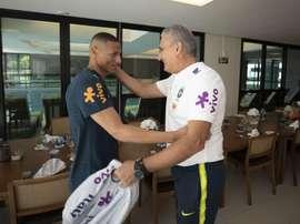Brasil iba a entrenar... ¡y se presentaron solo dos jugadores! EFE