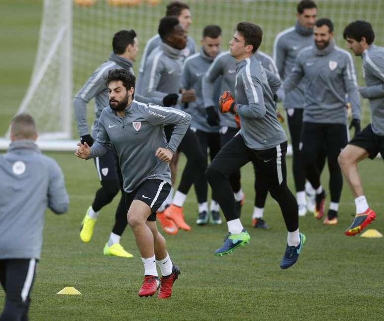 Asier Villalibre sigue sonando para jugar en Barcelona. EFE