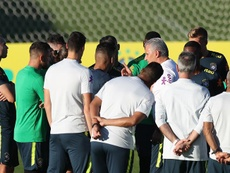 Neymar adelanta tres días su llegada a Brasil. EFE
