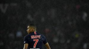 Mbappé não terá uma melhoria salarial no PSG. EFE