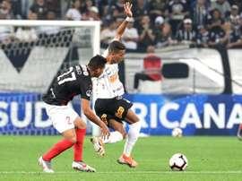 Corinthians mide la fe de Deportivo Lara. EFE
