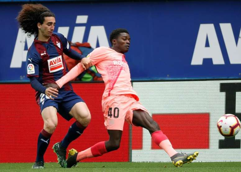 Cucurella (L) has been bought back by Barca less than two months after Eibar signed him. EFE/Archivo