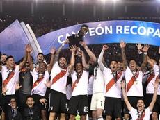 River se alzó con la Recopa Sudamericana. EFE