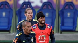Filipe Luis attend de voir Neymar au Barça. EFE