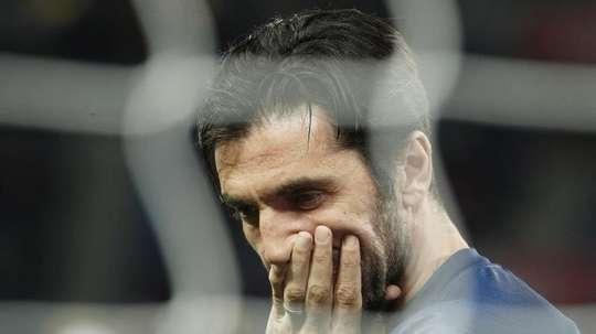 Buffon terá interesse em jogar no FC Porto segundo o agente do guarda-redes. EFE