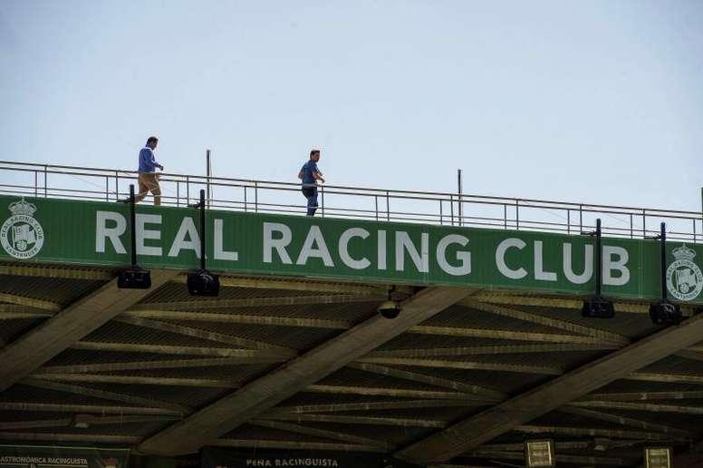 El Racing recibió al filial del Athletic con algo de público en sus gradas. EFE/Archivo