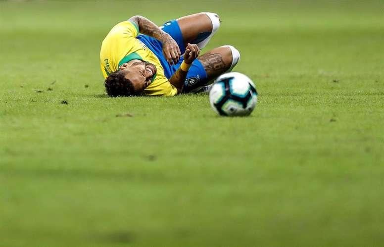 Le style de jeu de Neymar, la cause de ses blessures. EFE