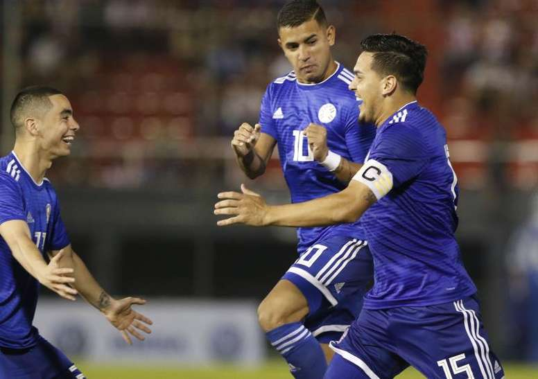 Paraguay empató y pudo ganar ante Argentina. EFE