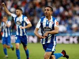 Goleador ante el Córdoba, Pedro motiva a sus compañeros. EFE
