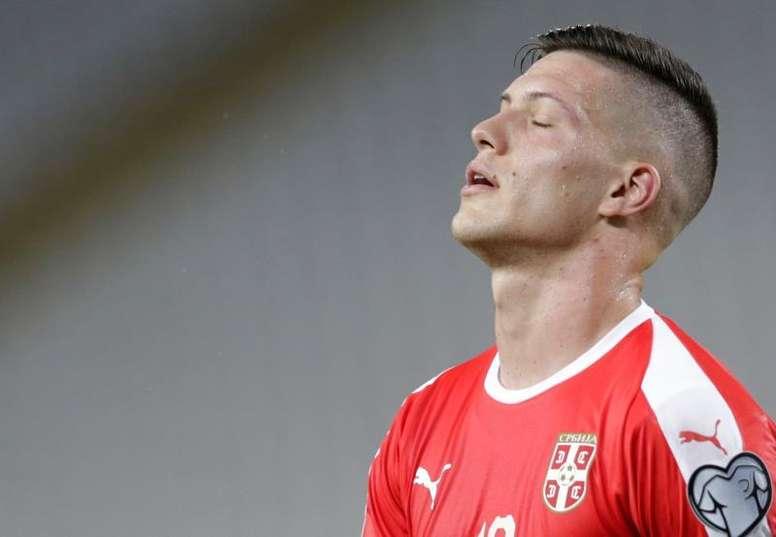 El Milan se ha planteado la cesión de Luka Jovic. EFE