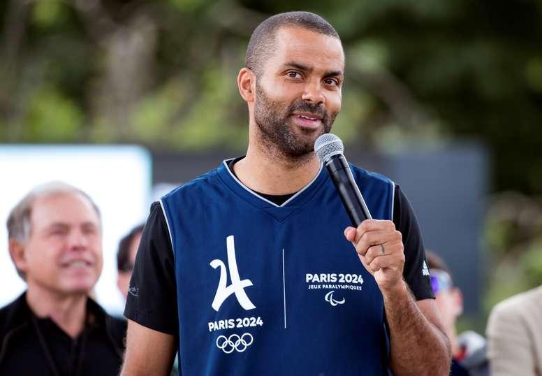 En la imagen un registro del base francés Tony Parker, de 37 años, quien escribió ¡Fue un viaje increíble! Incluso en mis sueños más imposibles, nunca pensé que viviría todos esos momentos increíbles con la NBA y la Selección Nacional de Francia. EFE/Archivo