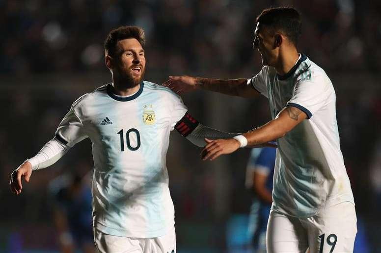 El piloto piropeó a Leo Messi. EFE