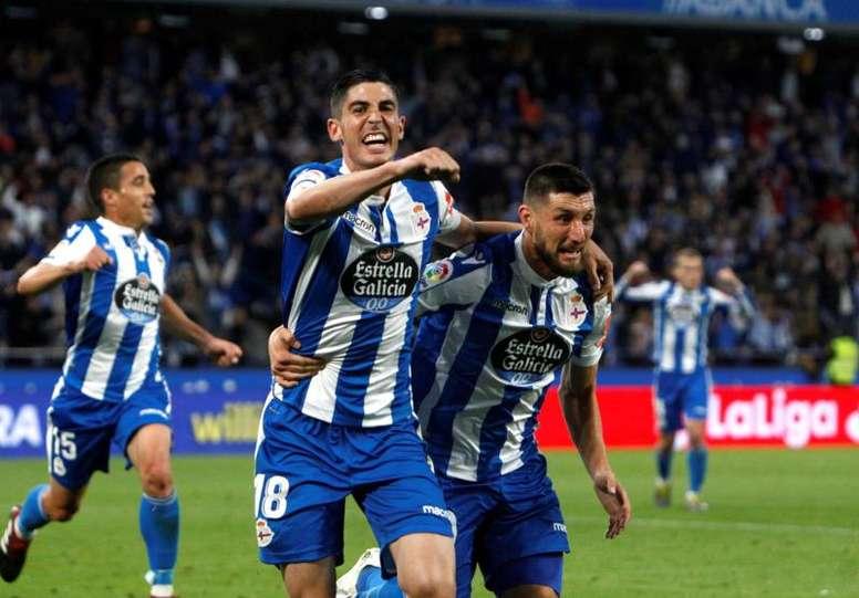 El Deportivo se lleva una clara ventaja a La Rosaleda. EFE